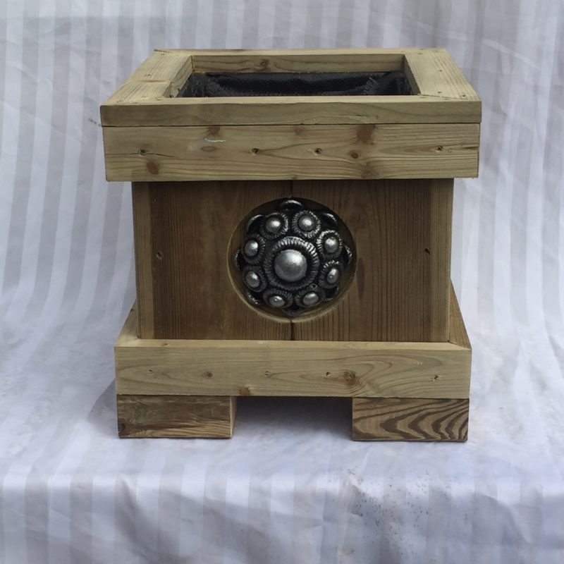 Zeeuwse knop bloembak 45 x 32 x 35 Zeeuwse knop 11 cm